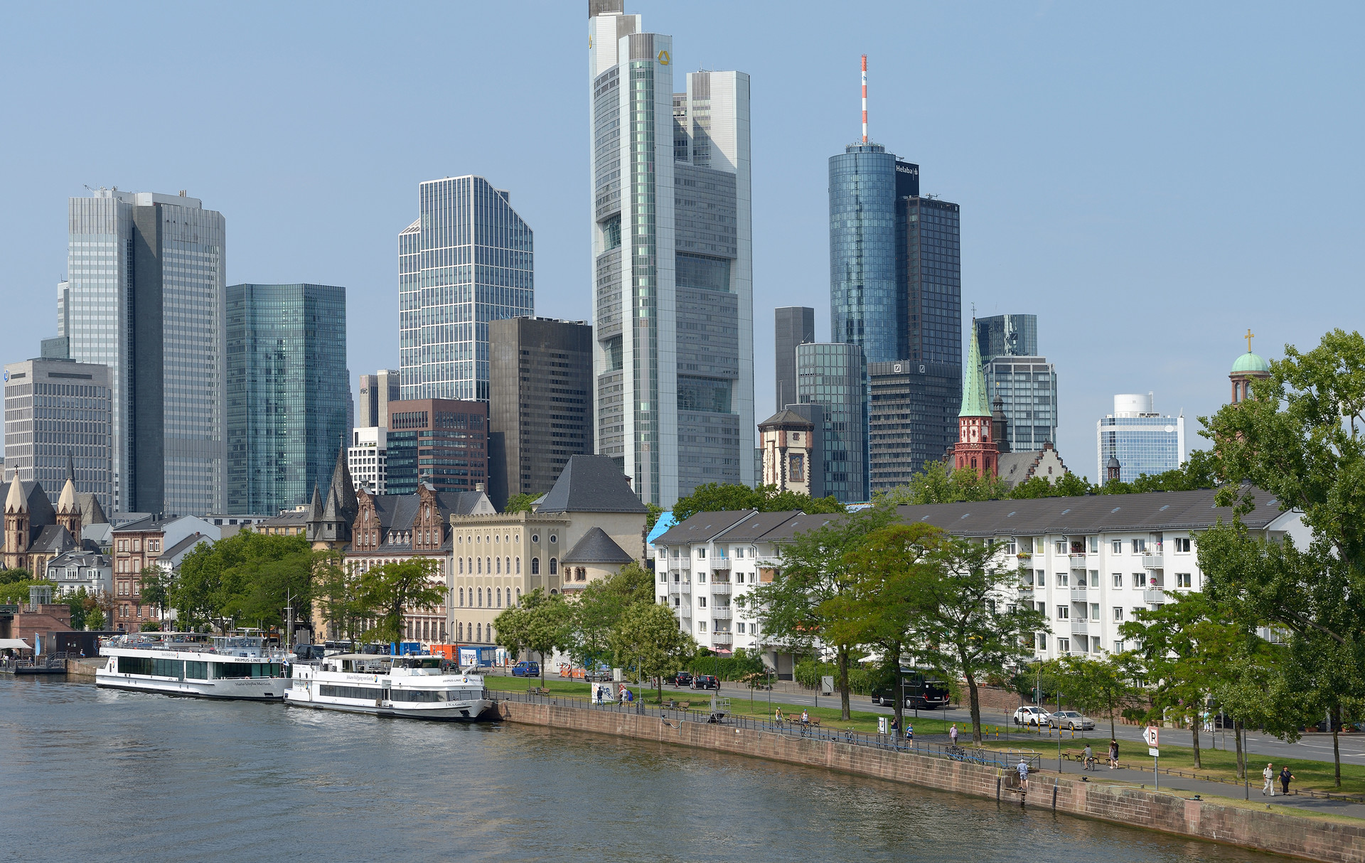 Frankfurt am Main: a vibrant city in the centre of Germany